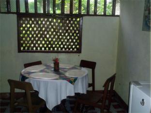 Casa Nova Garden Apartments Бохол - Ресторан