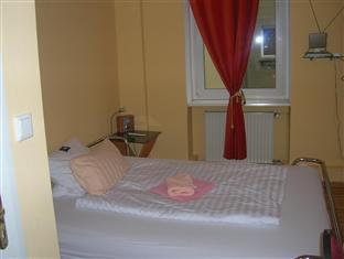 Pension 58 Berlin Berlin - Single Room - King size bed