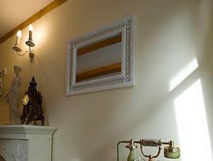 das kleine villa rose in eltville buchen. Black Bedroom Furniture Sets. Home Design Ideas