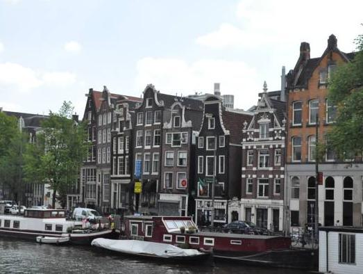 Rembrandt Square Houseboat