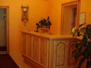 Villa Johanna Guesthouse بارنو - مكتب إستقبال