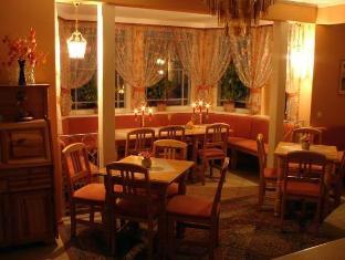 Villa Johanna Guesthouse بارنو - المطعم