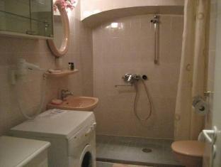 Vene 23 Apartments טלין - חדר אמבטיה