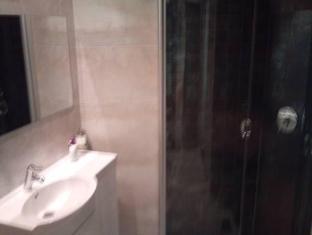 Aavo Apartments פרנו - חדר אמבטיה