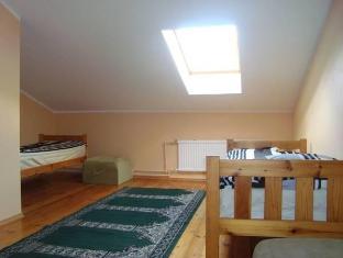 Kalamaja Hostel تالين - غرفة الضيوف