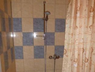 Aleksandri Guesthouse פרנו - חדר אמבטיה