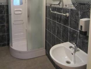 Dominika Guesthouse تالين - حمام