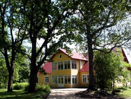 Nurmeveski Guesthouse פרנו - בית המלון מבחוץ