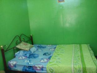 Kampung Belimbing Homestay Κούσινγκ - Δωμάτιο