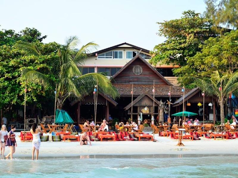 โรงแรมจิรวรรณ หาดทรายแก้ว เกาะเสม็ด