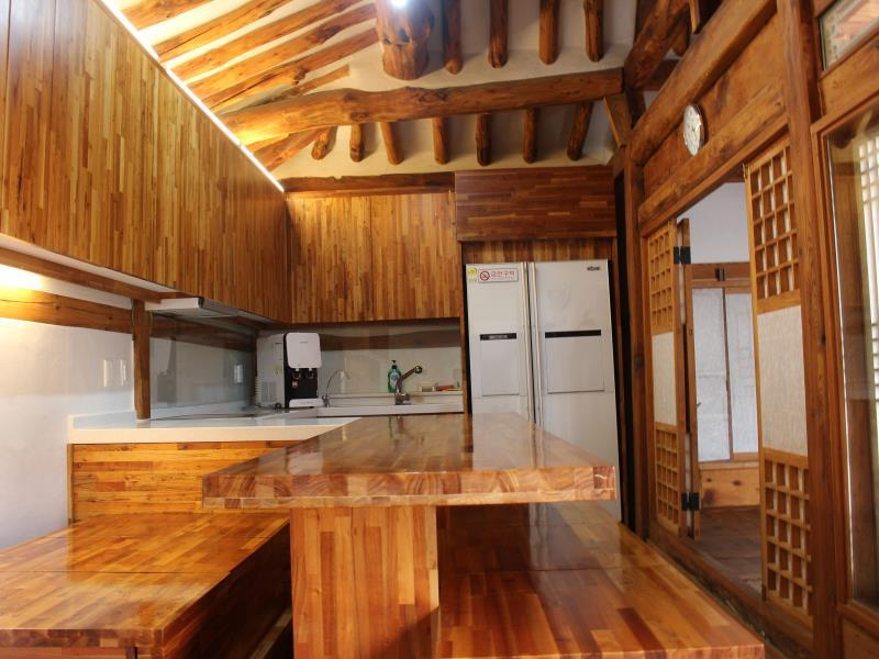 Myeonggaje Hanok Single Family House - Hotels and Accommodation in South Korea, Asia