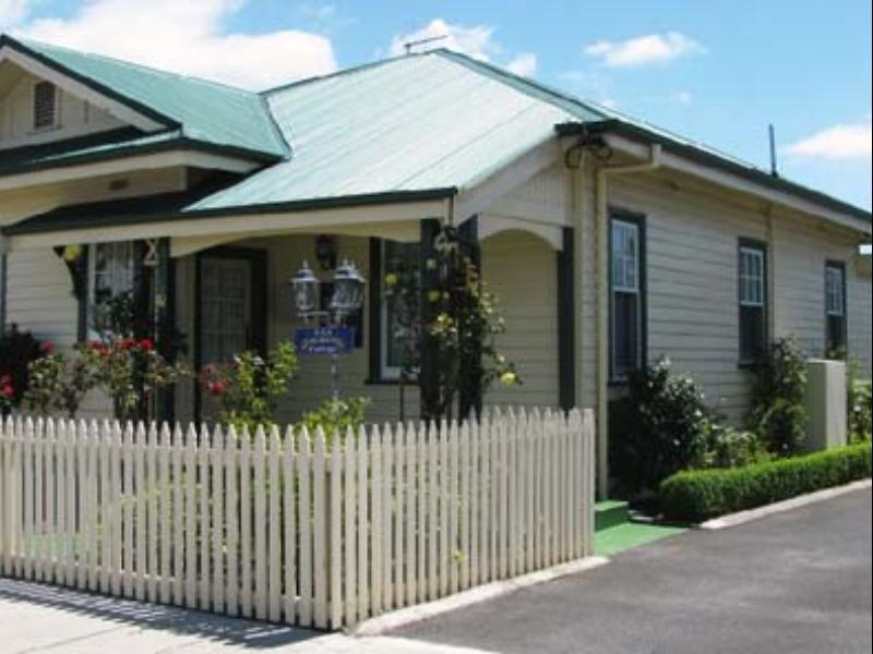 AAA-Ye Olde Post Office Cottage Bed & Breakfast - Hotell och Boende i Australien , Smithton