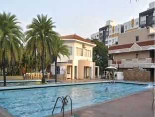 亞特查雅飯店 清奈 - 游泳池