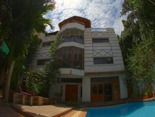 You Khin House