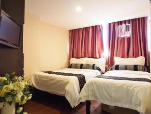 California Hotel Hong Kong - Triple Room (1 Double Bed 1 Single Bed)