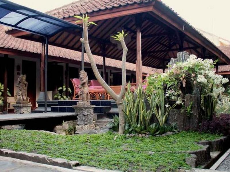 Hotel Ratih - Hotels and Accommodation in Indonesia, Asia