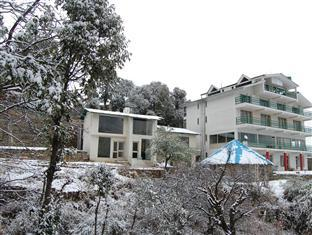 Fernhill Resort Chail - Hotel and accommodation in India in Chail