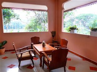 Homestay Ban Suan Khuean Phrae - Balcony