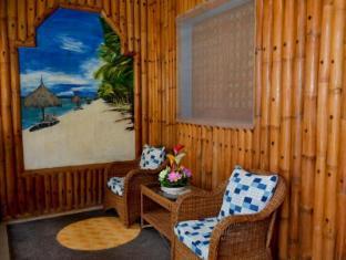 Isla Divina Inn בוהול - מרפסת