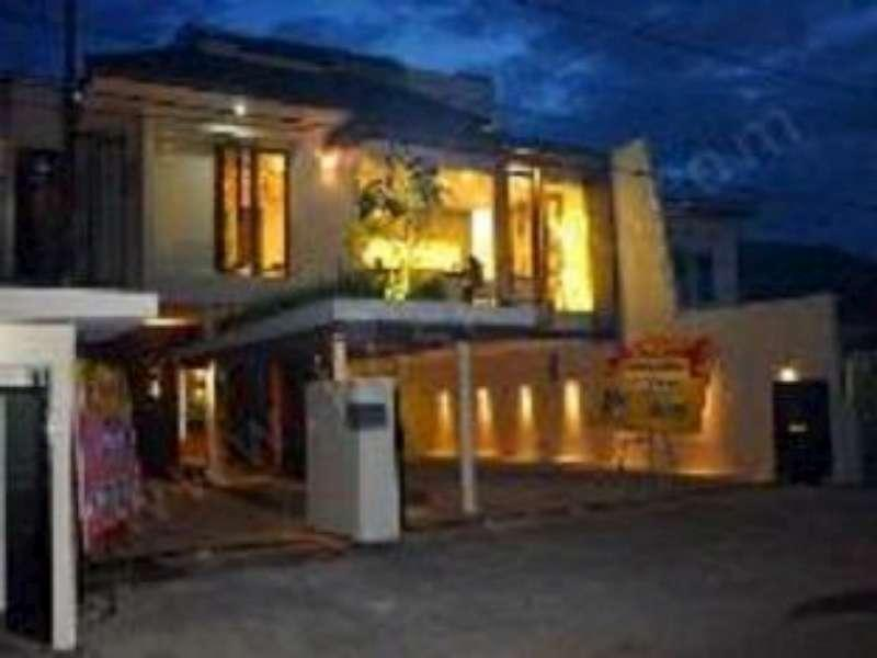 Farila Guesthouse 2 Surabaya