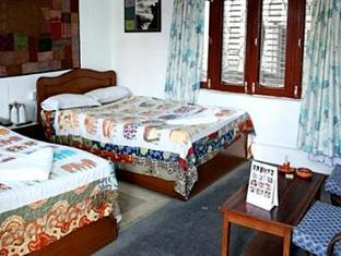 Himalayan Guest House Pokhara - Standard Room