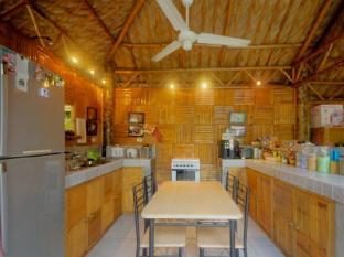 Samal Island Huts डावाओ - सुइट कक्ष