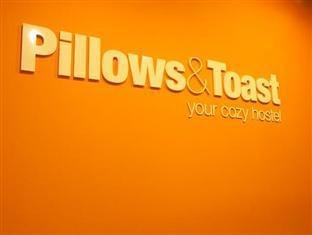 Pillows & Toast Hostel Singapore