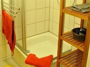 Mirbach Apartments Berlin - Bathroom