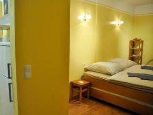 Mirbach Apartments Berlin - Guest Room
