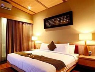 The Grove Bumbak Villa Bali - Guest Room
