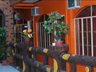 Escarez Pension House Coron - Hotel Interior