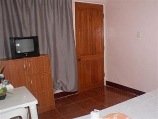 Escarez Pension House Coron - Guest Room Facilities