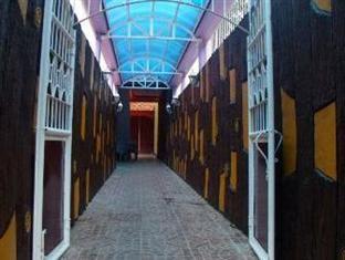Escarez Pension House Coron - Entrance