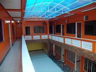 Escarez Pension House Coron - Balcony