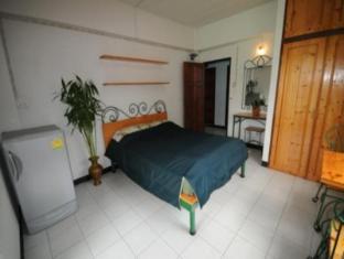 Baan Khun Mae Apartment Bangkok - Guest Room