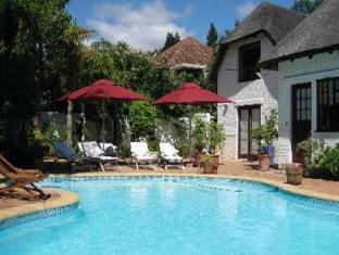 The Beautiful South Guesthouse Stellenbosch - Swimming Pool Area