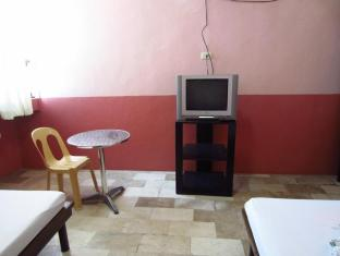 GV Hotel LapuLapu Cebu سيبو - غرفة الضيوف