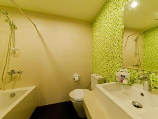 Metro Resort Pratunam Bangkok - Luxury Room - Bathroom