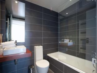 Rent Top Apartments Brand New Port II Barcelona - Bathroom