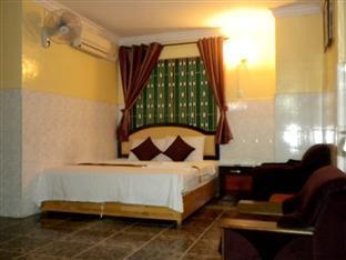 Golden Boat Guesthouse Phnom Penh - Double Bedroom wih AC