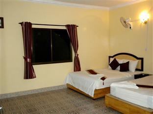 Golden Boat Guesthouse Phnom Penh - Twin Bedroom with AC