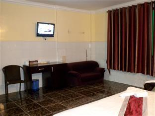Golden Boat Guesthouse Phnom Penh - Family Room with AC