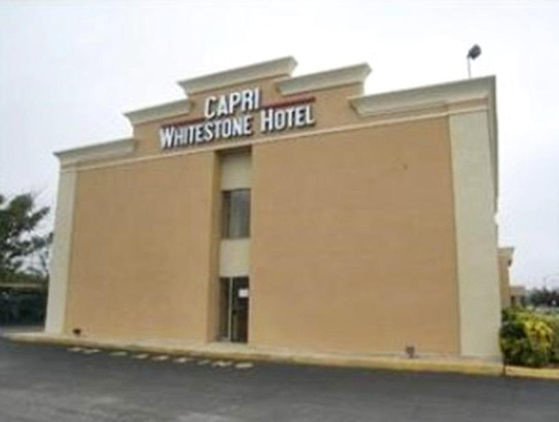 Capri Whitestone Hotel - Hotel and accommodation in Usa in New York (NY)