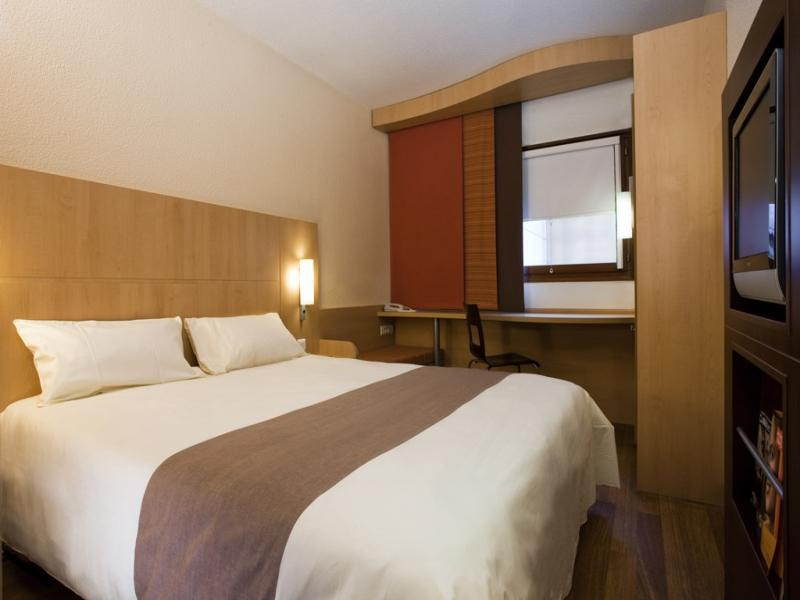 Ibis Shanghai Jinshajiang Road Hotel