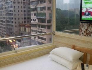 Tsim Sha Tsui Hotel Hong Kong - Quad (1 double 2 singles)