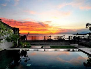 Indonesia Hotel Accommodation Cheap | Villa Pantai Senggigi Lombok - Swimming Pool