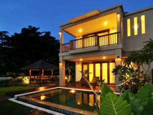Villa Pantai Senggigi | Cheap Hotels in Lombok Indonesia