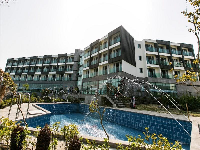 โรงแรม คอร์เดเลีย รีสอร์ท  (Cordelia Resort)