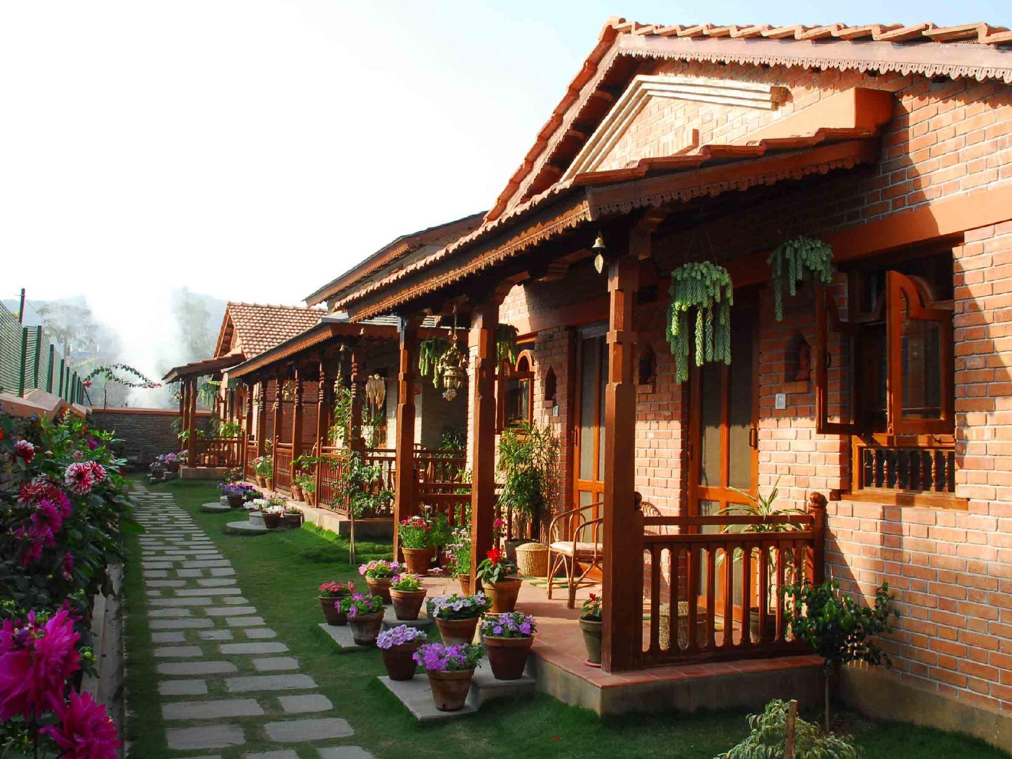 Vardan Resort and Apartment