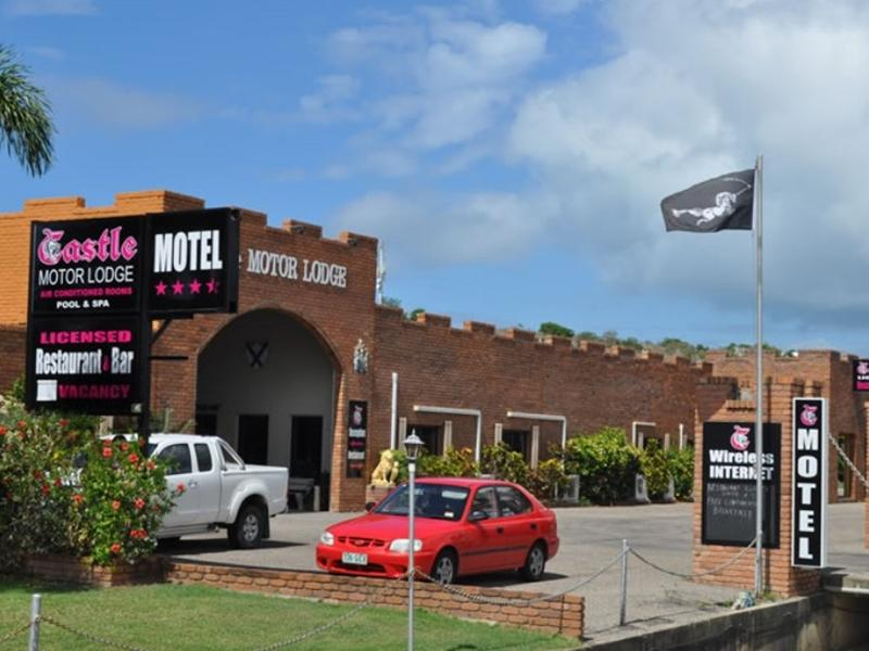 Castle Motor Lodge Whitsundays - Hotellet udefra